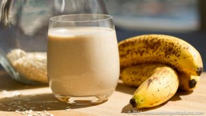 plant based dairy free banana oatmeal smoothie