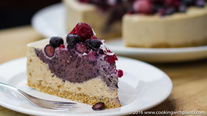raw vegan recipe berry cheesecake