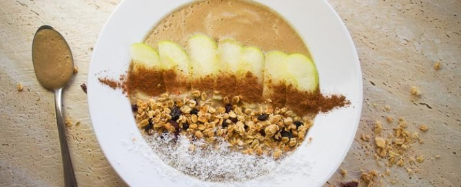 apple pie smoothie bowl vegan recipes