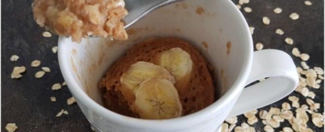 vegan cake in a mug, cake in a cup, oatmeal, banana, banana cake in a mug